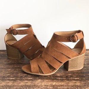 NEW Qupid Cognac Strappy Heeled Sandals size 10